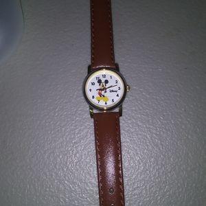 Disney mickey watch (women's)